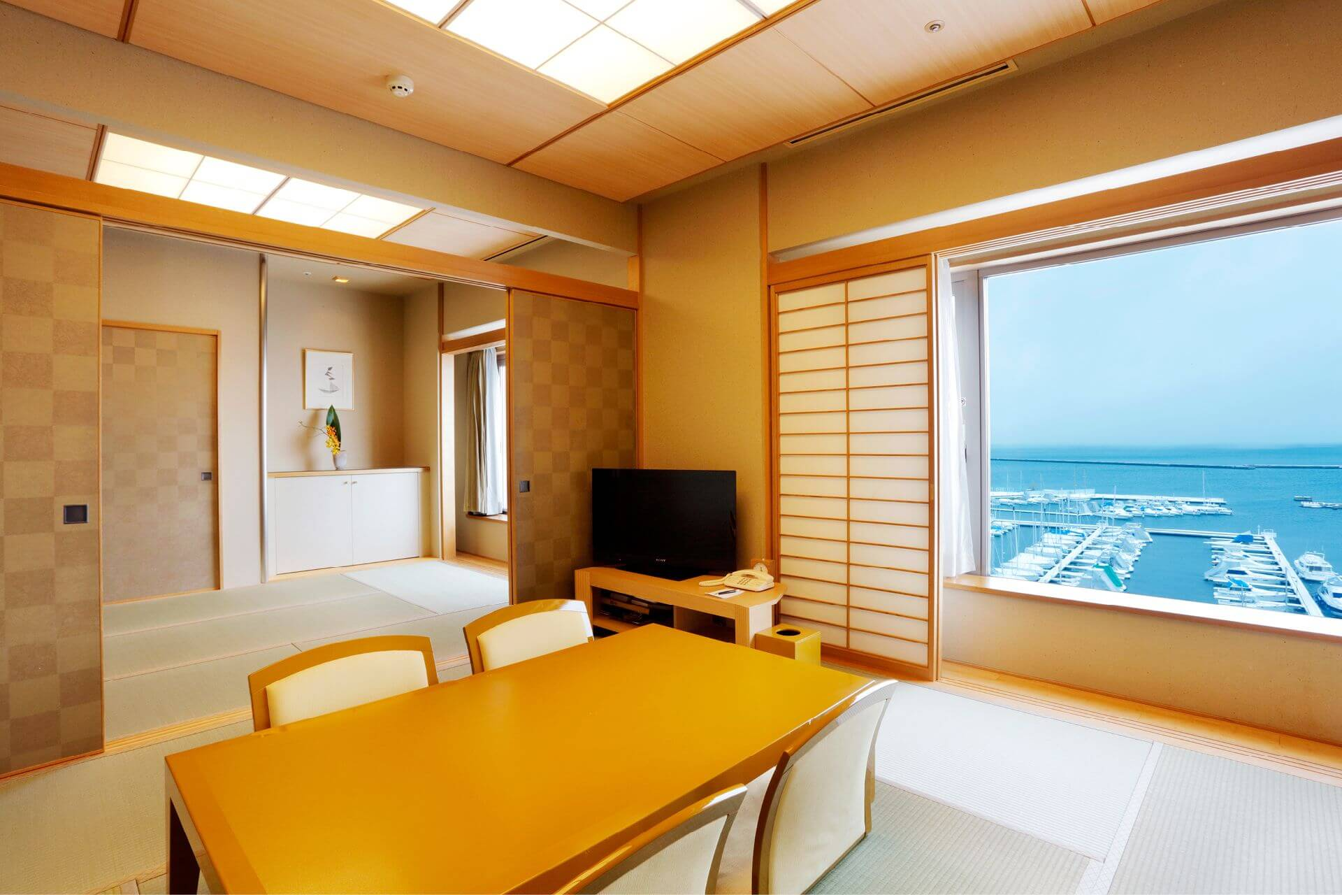 Interior Design Japanese Style Suites Living Room at Grand Park Otaru